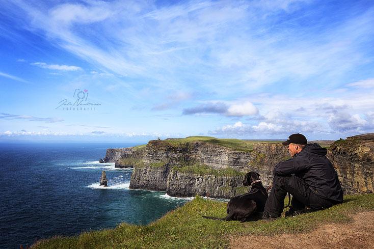 Irland_Cliffs of Moher_Hund_Camping_Wohnmobil_Reisetagebuch_Die Roadies