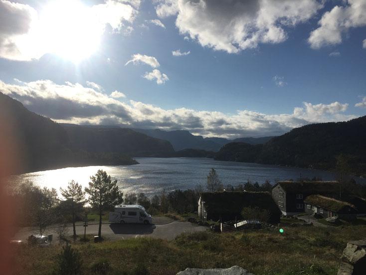 Wanderung_Preikestolen_Hund_Wohnmobil_Norwegen