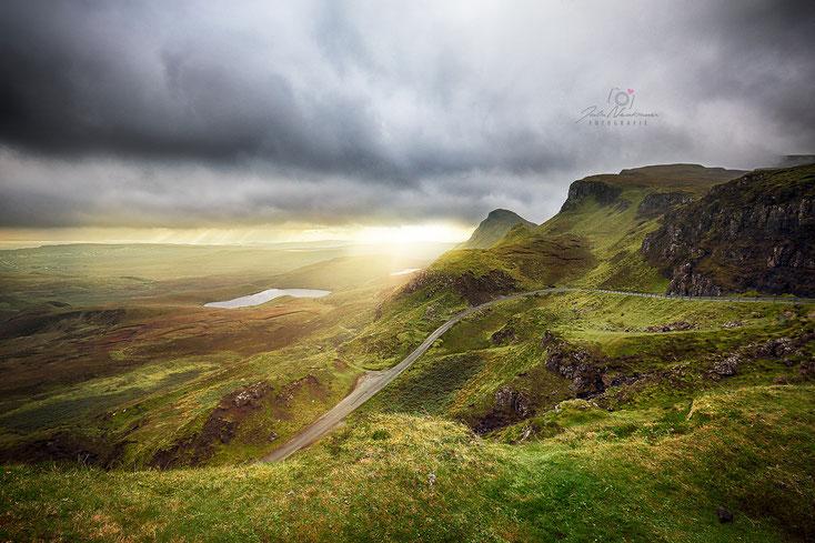 Schottland_Berg_Quairang_Isle of Skye_Gewitter_Sonnenuntergang_Die Roadies_Wohnmobil_Hund