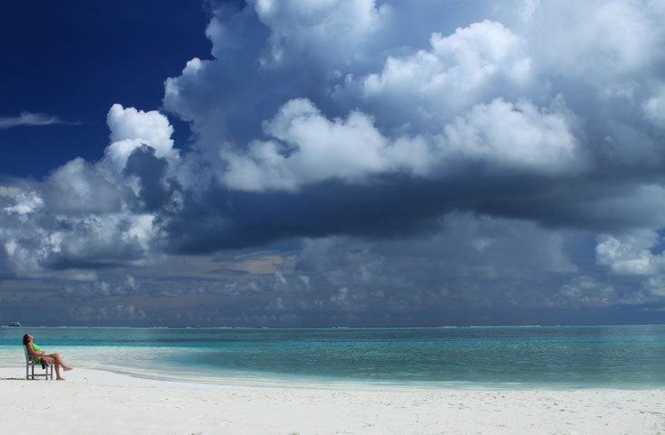Entspannen wie am Strand ... Gedanken können - wie Wolken am Himmel - einfach weiterziehen ...
