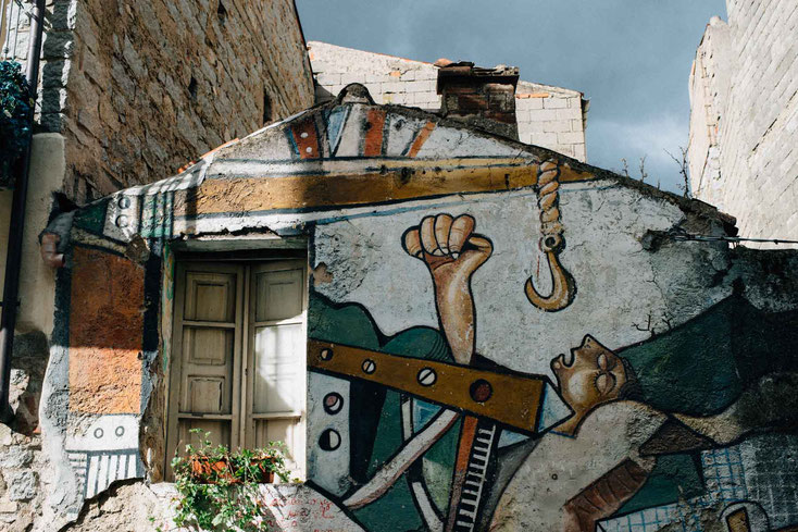 Wandmalereien bei Orgòsolo
