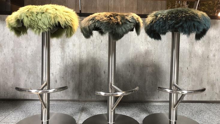 Sitzauflage aus Lammfell für Hocker