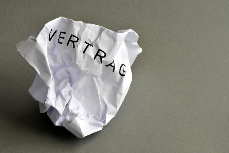 Vertrag zerknüllt; Detektiv Dortmund, Detektei Hagen, Privatdetektiv Iserlohn, Detektei Werne