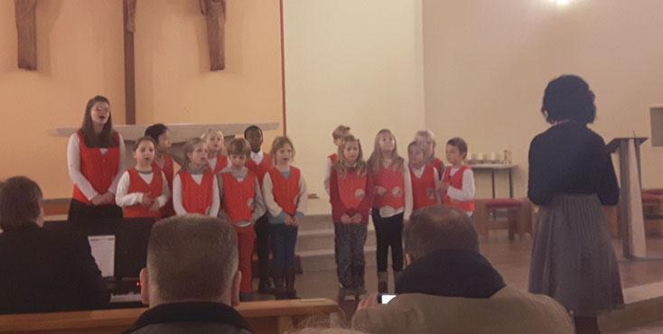 Kinderchor beim Adventskonzert 2016