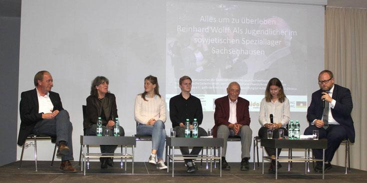 Podiumsgespräch anläßlich der Uraufführung. Foto: Manuela Kirchhoff / Gedenkstätte und Museum Sachsenhausen