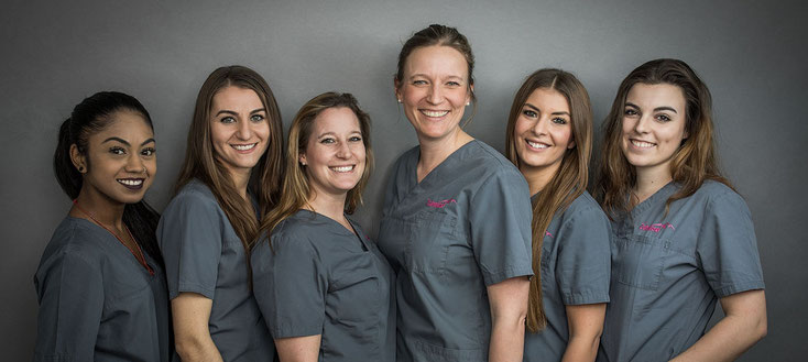Praxisteam der Zahnarztpraxis ZahnInsel in Bern