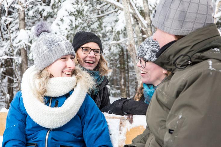 Photo d'une équipe lors d'une journée team-building dans les Cantons de l'Est au Québec par Pakolla