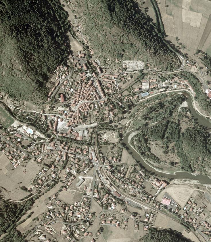 Vue aérienne du centre bourg ancien, périmètre de l'étude.