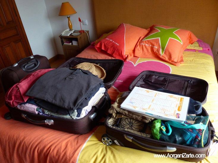 Deshaz las maletas al llegar a casa - www.AorganiZarte.com