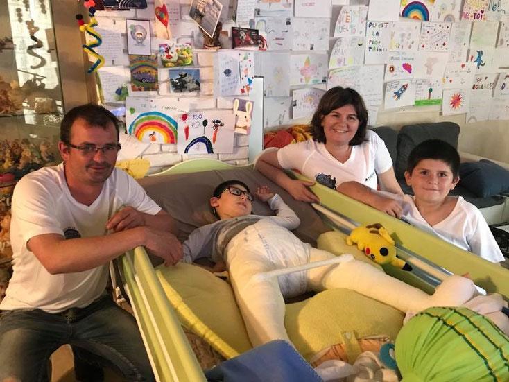 Remise officielle du Tshirt 2018 du Trail de la Carrière d'Igé à Nolan et sa famille