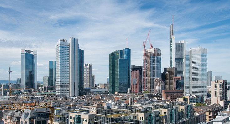 Frankfurter Bankenviertel  -  Foto: Epizentrum - eigenes Werk vom 16. Juni 2013  -  CC BY-SA 3.0