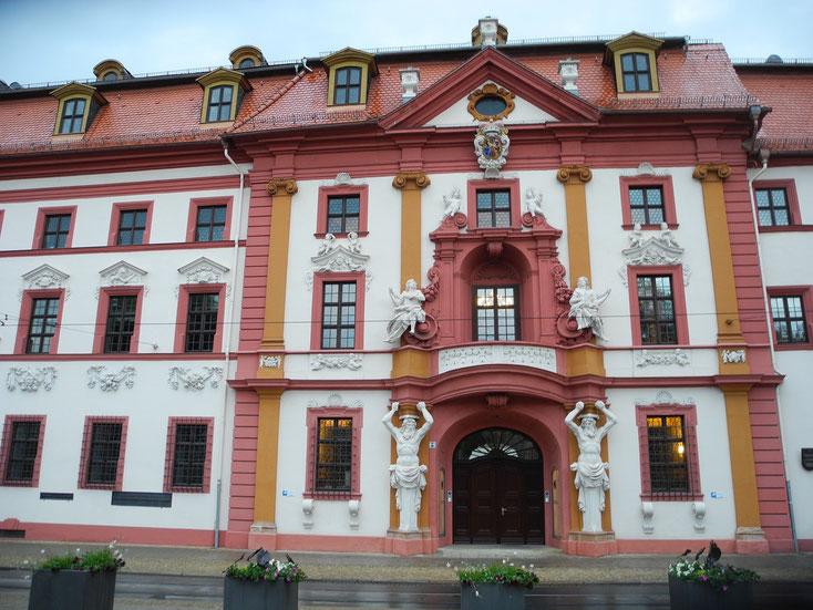 Die Staatskanzlei in Erfurt - ein prunkvoller Bau mit viel Geschichte