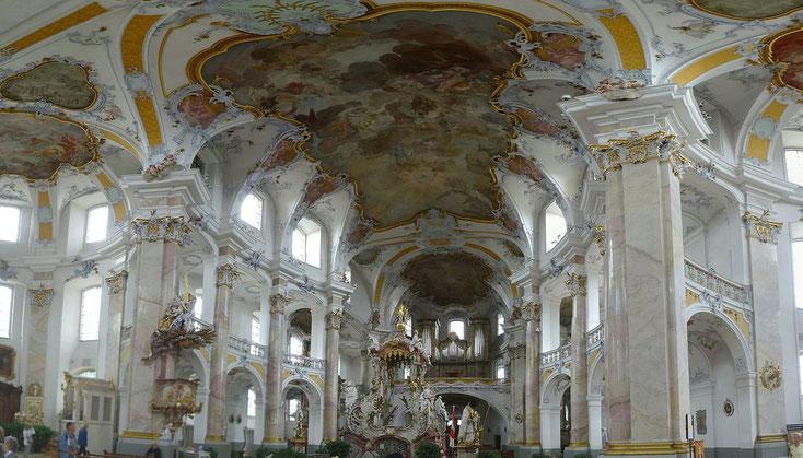 Die Basilika erstrahlt in neuem Glanz.