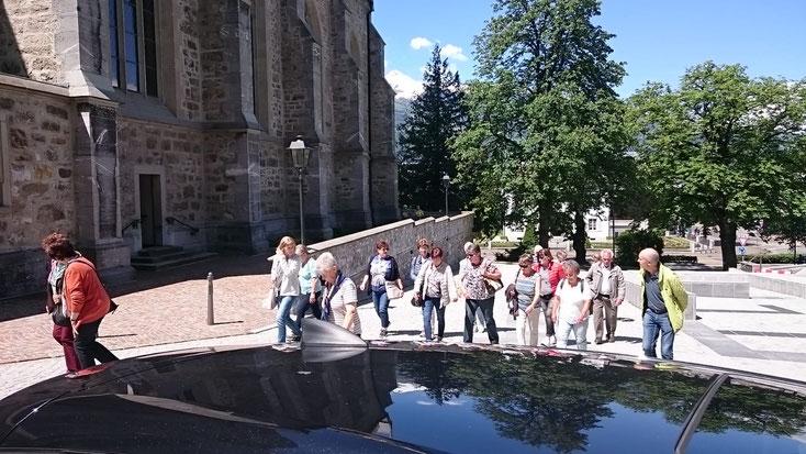 """Spaziergang durch Vaduz - hier sind wir auf dem Weg zur Kirche """"St. Florian"""" und zur Fürstengruft"""