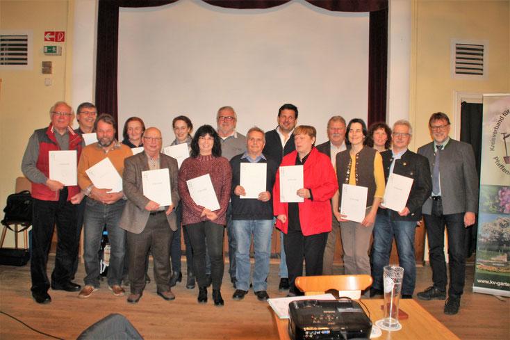 Gruppenfoto der teilnehmenden Gartenbauvereine,     Foto: Heinz Huber