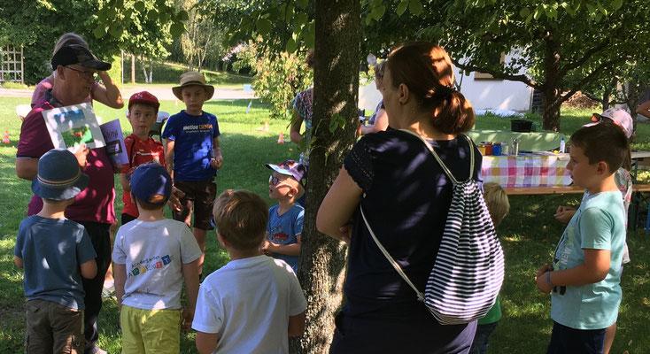 Für den Gruppennamen konnten die Kinder wählen zwischen: Gartenbande, Naturfüchse und Naturstrolche.