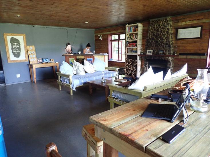 Hinterher Arbeiten in den Aufenthaltsräumen von Kothso Lodge and Horse Trails