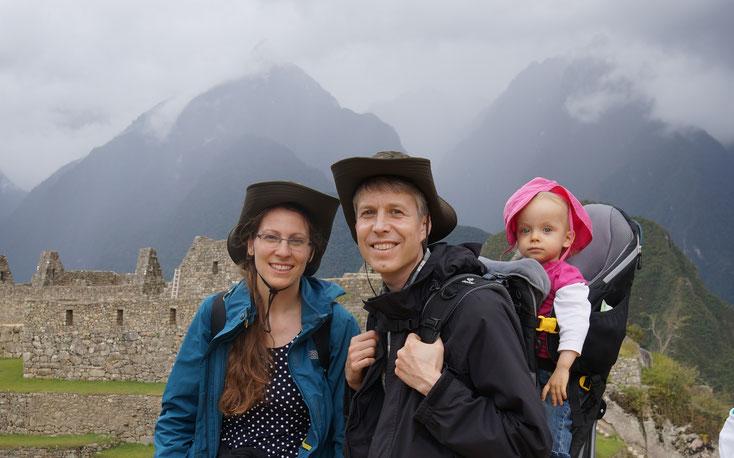 Machu Picchu mit Kleinkind Familie Klaus-Dieter und Martina John gründete Diospi Suyana - Familie Keßler geht nach Peru um im Krankenhaus und in der Schule zu arbeiten