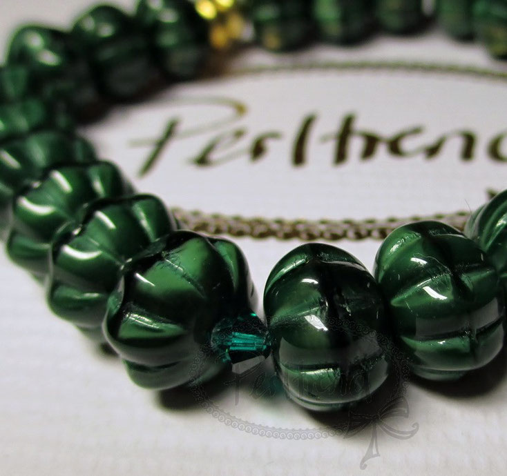 Perltrend Luzern Schweiz Onlineshop Schmuck Jewellery Jewelry www.perltrend.com  Bracelet Armband Armschmuck Grün Glasperlen gold Swarovski Crystals Forest Luck Dark green Rondells