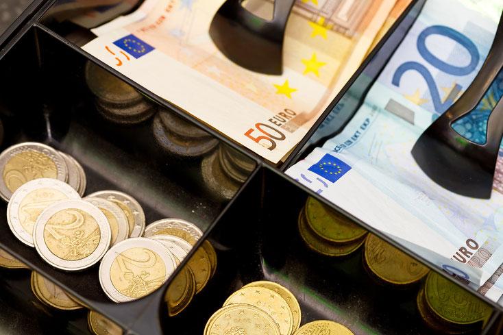 Kasse mit Euros; Wirtschaftsdetektei Bremen, Kassendiebstahl, Detektiv Bremen
