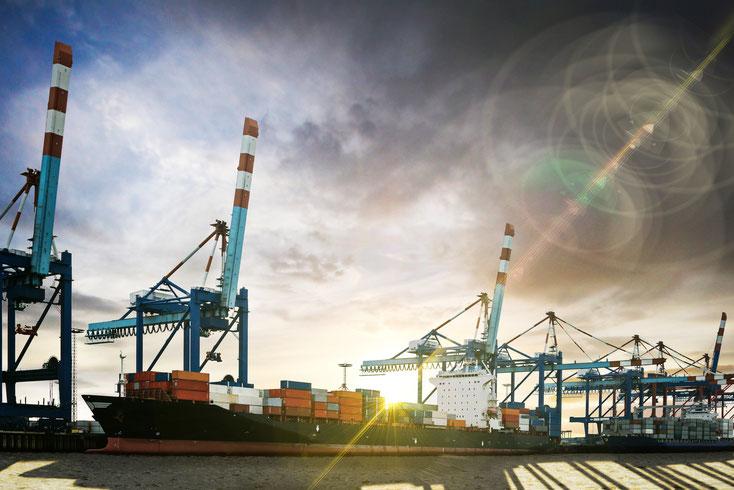 Containerschiff Bremerhaven; Wirtschaftsdetektei Bremerhaven, Wirtschaftsdetektiv