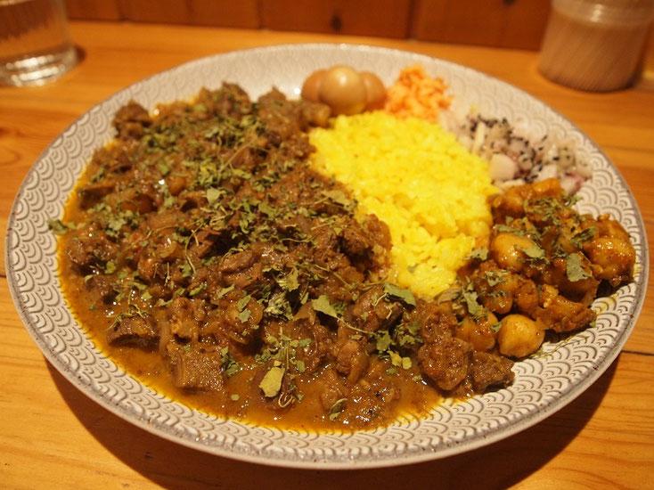 Dish curry & relish の辛口マトンカレー