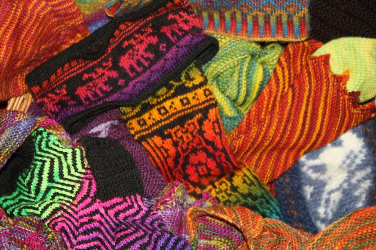 Mützen, Socken, Handschuhe und vieles mehr