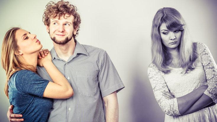 glückliches Paar mit eifersüchtiger Ex-Freundin; Privatdetektiv Frankfurt, Detektei Frankfurt