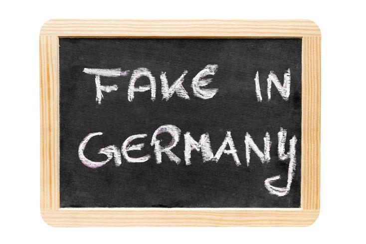Schild Fake in Germany; Detektiv Frankfurt Main, Privatdetektiv Frankfurt am Main