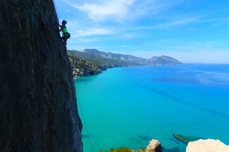 l'eau turquoise de la Cala Luna
