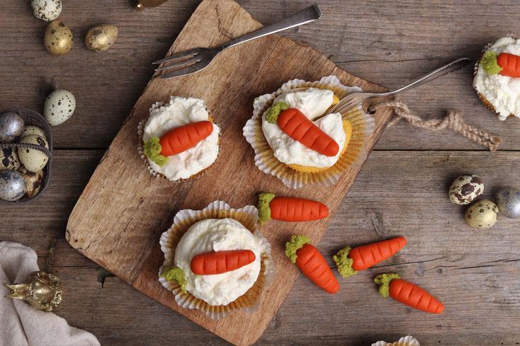 Marzipankarotten auf Karottenmuffins