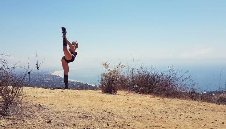 Sport Training Aktivitiät Personal Trainer gutes Körpergefühl Outdoor Draussen Beweglichkeit Abnehmen