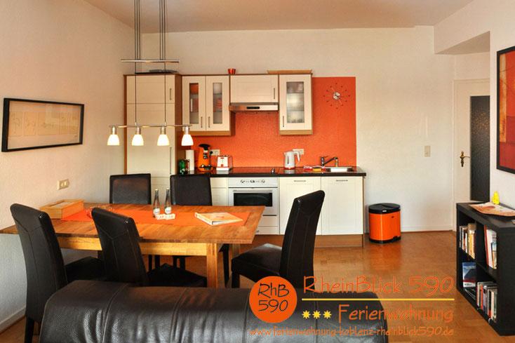 Bild: Ferienwohnung Koblenz RheinBlick 590, Essplatz und Küche