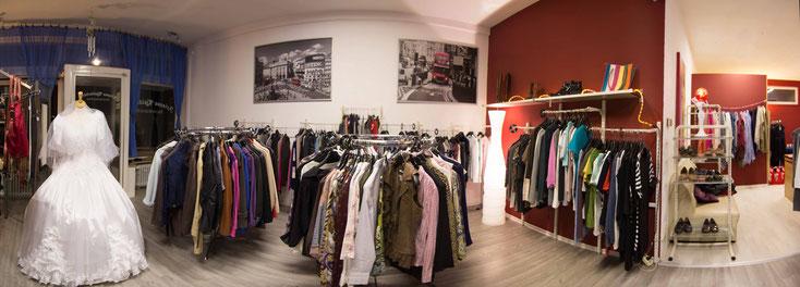 Die Innenräume unserer Boutique. Größere Ansicht per Linksklick verfügbar.
