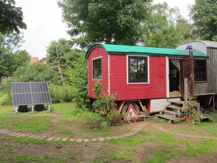 Off-grid rolling home in Germany