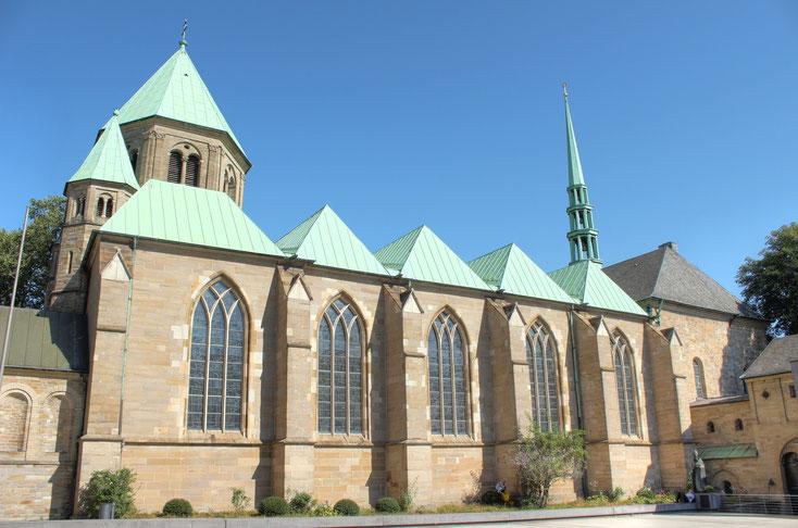 Ansicht des Essener Münsters bei Tag; Kurtz Detektei Essen