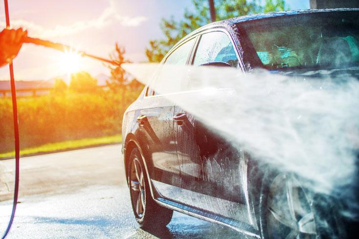In den weitaus meisten Fällen ist das Kfz zum Zeitpunkt der Sicherstellung noch in dem Zustand, in dem Sie es das letzte Mal gesehen haben – einzig Autowäsche und Innenraumreinigung sind bei vielen gestohlenen oder unterschlagenen Fahrzeugen notwendig.
