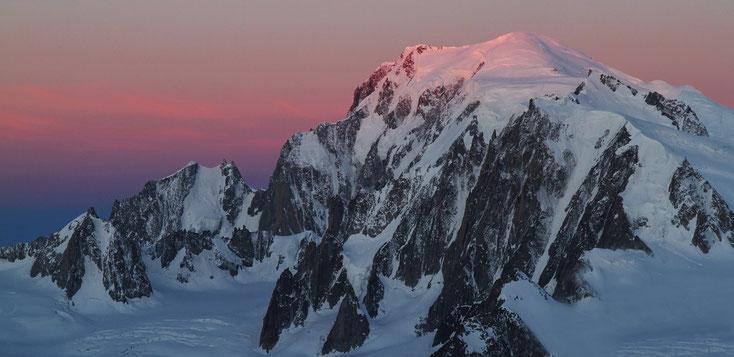 Tour Ronde, Aig. Blanche de Peuterey, Mont Blanc und Mont Maudit