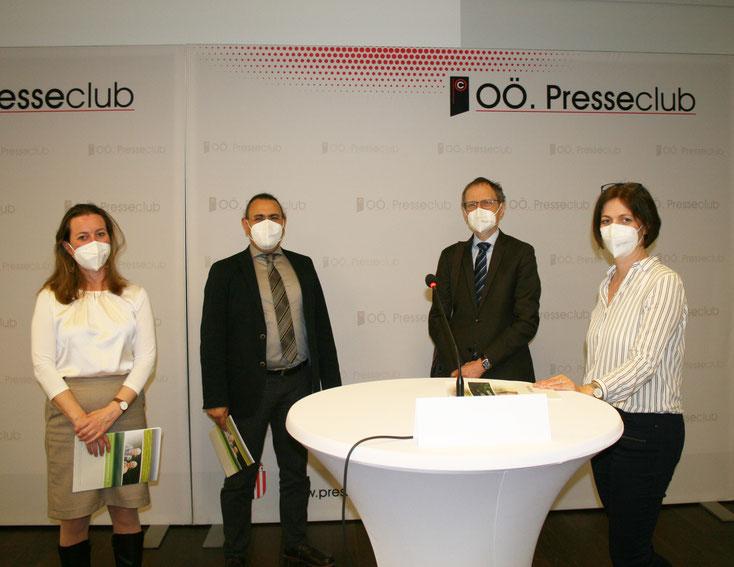 TeilnehmerInnen der Pressekonferenz (v.l.n.r.): Koubek, Yazdi, Bacher, Nemesch