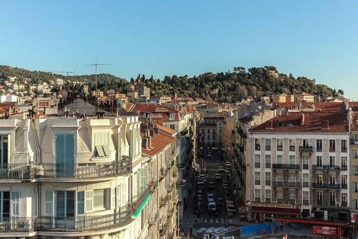 Nice Centre-Luxe-Terrasse et sa vue magnifique sur la Colline du Château de Nice