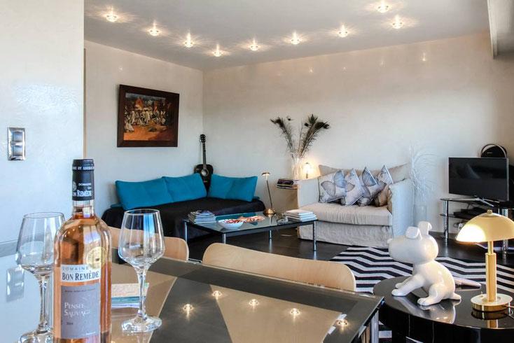 Nice Centre-Luxe-Terrasse et son séjour