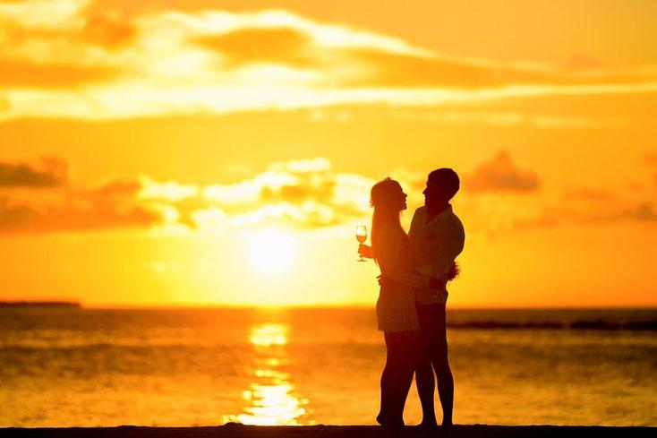 Wenn Du den Regeln folgst, kannst Du wieder mit ihm/ihr Sonnenuntergänge bewundern