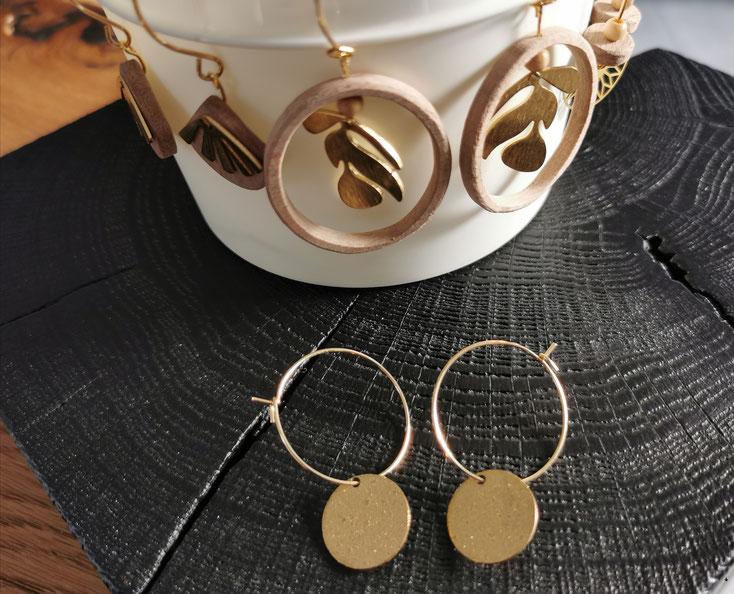 Collection de bijoux en bois de noyer et métal doré Bijoux Yali