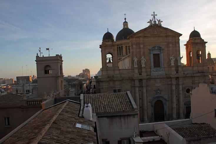 Sizilien 2016 - Blick auf den Dom von Marsala von unserer Hotelterrasse