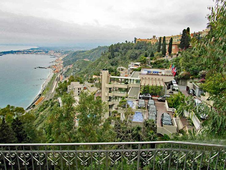 Sizilien 2016, Blick auf das Hotel Monte Tauro in Taormina