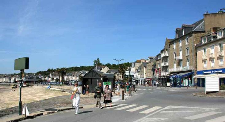 Brügge, Oostende, Calais, Le Havre, Cap Gris Nez, Somme, Bayeaux, Mont Saint Michel, St. Malo, Cancale, Cherbourgh, Rouen, Chartres, Versailles, Reimes
