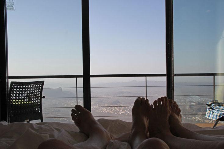 """Oman Urlaub 2017; Blick aus dem Bett ins Tal im Hotel """"The view"""""""