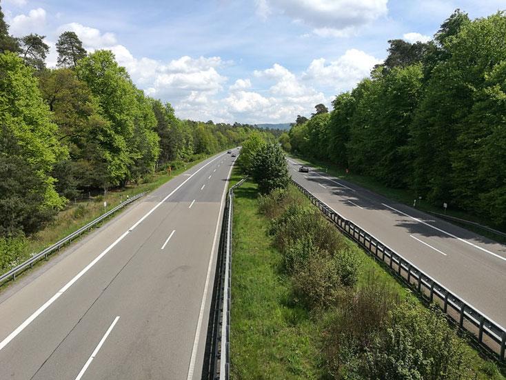 Bild 4 Blick auf die A45 - nicht viel Verkehr heute -