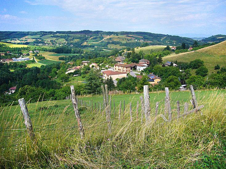 Les habitants de Saint-Michel-de-Saint-Geoirs se nomment les Saint-Micharauds et les Saint-Micharaudes.