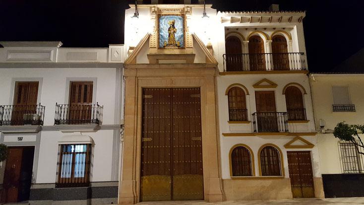 Stadthaus mit wunderschönem Tor